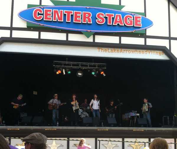 Matt Bunsen and the Burners at Center Stage, Lake Arrowhead Village